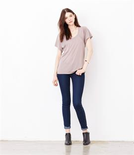 Bella Flowy T-Shirt