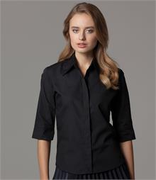 Concealed placket Side vents Classic collar 3/4 length sleeves with cuff vent Pearl buttons Fitted style with rounded hem Available in short sleeve K720